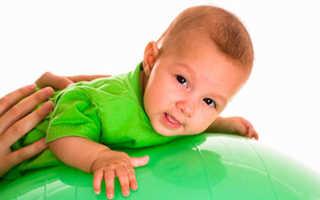 Занятия на фитболе для младенцев 4 месяца. Упражнения на фитболе для грудничков после полугода. Начинаем занятия на фитболе