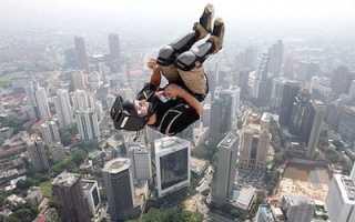 Что такое прыжки на скале. Места для самых опасных прыжков со скал. Какая высота прыжка? Как успевает раскрыться парашют