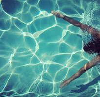 ? Минусы и плюсы плавания в бассейне! Стоит ли плавать? Или это приведет к …