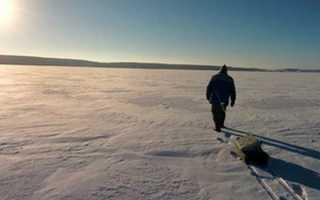Какой безопасный лед на водоеме для человека. Способы передвижения по льду. Когда можно выходить на лёд