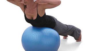 Можно ли накачать попу прыгая на фитболе. Упражнения с фитболом для бедер и ягодиц. Упражнения с фитболом для живота и кора